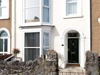 Victoria Avenue Holiday Home, Mumbles
