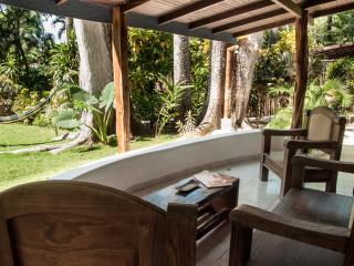 Reef Bungalow - cabin near the pool and beach, Santa Teresa