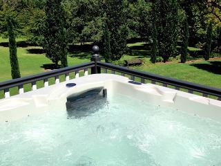 Glenloch Gatehouse - Luxury Mount Tamborine Accommodation