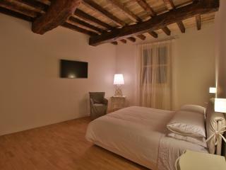 Suite apartment nel cuore di Modena, Módena