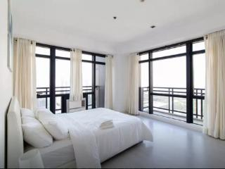 3801 The Gramercy Residences 2BR Condo Great Location, Makati