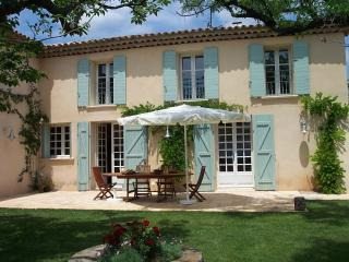 18 Century Farmhouse, garden, heated pool, vines, Grambois
