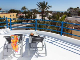 Hermosa villa central – 100m de la playa, Corralejo