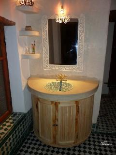 vasque entre les 2 chambres