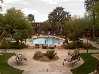 Two Bedroom Phoenix/Tempe Condo for YOU!!