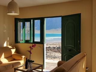 Salón con vistas a la playa