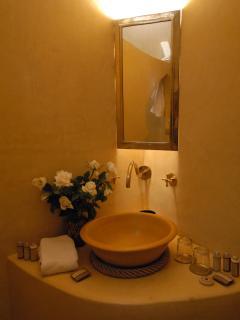 Bathroom Amir