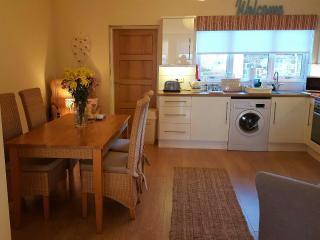Ahoy 3 Apartment offers lovely views of Belfast Lough (15 minutes from Belfast)