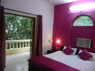 Cozy One-Bedroom-Hall-Kitchen Resort Apartment near Calangute Beach