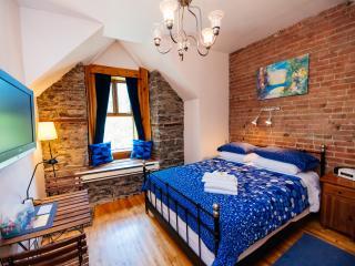 King's Room (University Bed & Breakfast)