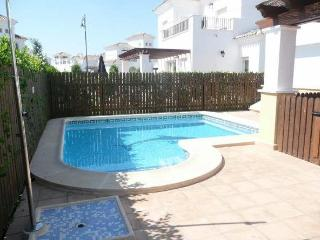 Luxury Villa With Fenced Pool, Roldan
