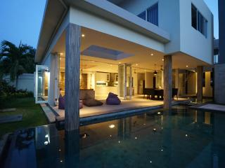 Villa Wayan, Brand New  Perfect family Villa for 8, Sanur