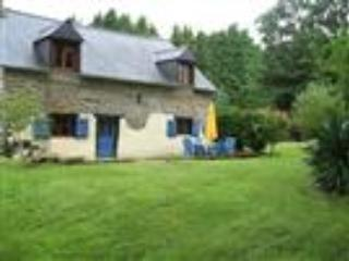 Dell View, 3 bedroomed detached cottage with pool and Spa