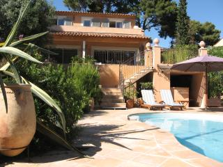 Beautiful villa with pool - 400 m from the beach, Sanary-sur-Mer
