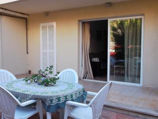 Apartamento, bajos a 100 metros de la playa, Cala Bona