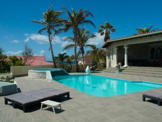 Villa Balaclava - Luxury villa, Simpson Bay
