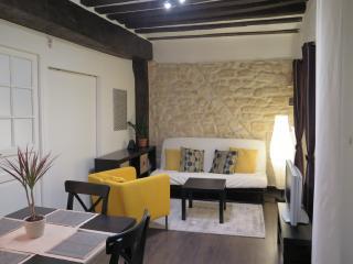 2 bedrooms, terrace, heart of Paris