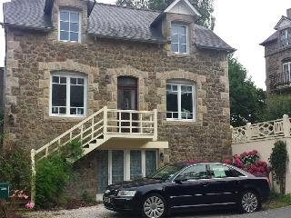 Villa Gwel Ar Mor -Lovely stone house with estuary view