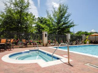 Furnished Pentagon City 2BR Apt.+ Pool, Arlington