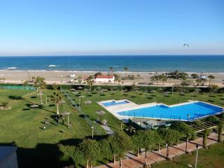 Front line beachfront apartment in Sabinillas, San Luis de Sabinillas