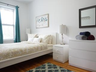 Dazzling 3 Bed 15min from Lex & 59, Astoria