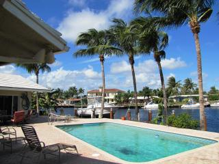 BEACHES, WATERFRONT, HEATED POOL, SLEEPS 8, Pompano Beach