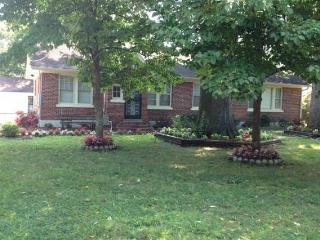 Country Living in the City, Relax!! - 2 br, 1 ba