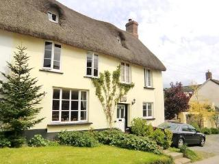 Dog friendly thatched cottage in Sheepwash