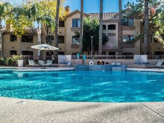 Lovely, clean and cozy condo, Scottsdale