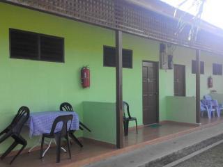 RIZALAN CHALET & CAFE, Pasir Panjang
