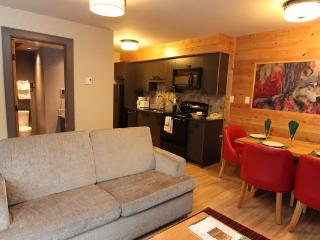 Banff Rocky Mountain Resort Updated 2 Bedroom Wolf Condo
