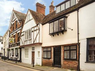 NAT FIELD'S HOUSE character cottage, four poster bed, WiFi Ref 927131, Canterbury
