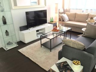 NEW! HUGE 4BED! KOWLOON/ at YAU MA TEI MTR station, Hongkong