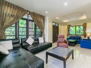 House with 2 Bedroom ,Quiet Place, Patong