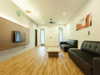 Leisure Home Stay - Lemak unit, Kuala Lumpur