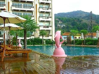 Well-equipped 2-Bed Apartment in Patong