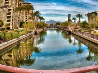 AMAZING OLD TOWN LOCATION-POOL/SPA/BBQ/SLEEPS 6, Scottsdale
