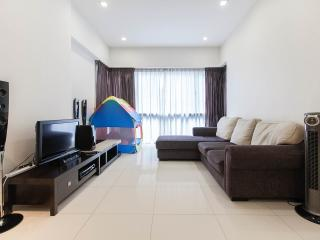 6 Star 2BR Suite at KL Sentral, 6pax, Train, WiFi, Kuala Lumpur
