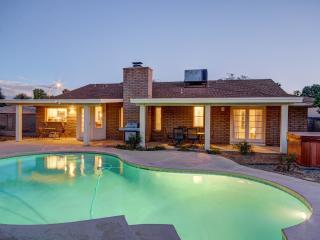 AMAZING LOCATION- Heated Pool/SPA/BBQ/Pool Table, Scottsdale