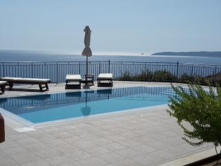Villa Odysseus Sea & Mountain Views to the Horizon, Lourdas
