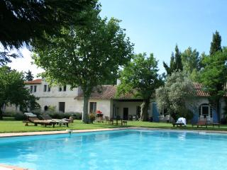 Charming apartment for rent, Grenouille, Arles