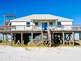 Sand Bar -Spacious 3 bedroom Gulf of Mexico beach house has a great Gulf-side location and Rooftop C, Dauphin Island