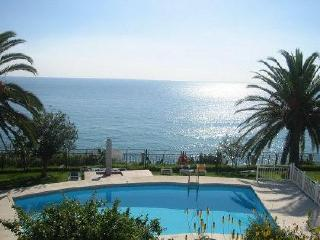 Tuhillo H1-M, 3 Bedrooms, Pool, Gardens, 1st Line of Beach