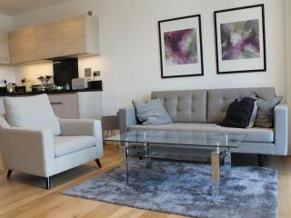 Notting Hill 2B apartment in Kensington & Chelsea with WiFi, balkon & lift., Londen