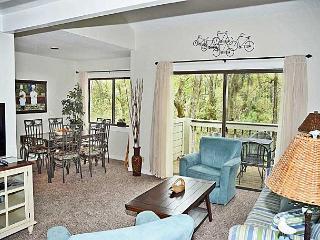 Racquet Club Villas 2321- Charming Sea Pines 1 bedroom plus Bonus Loft!!, Hilton Head