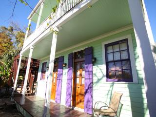 Adorable Cottage. 1 block to the French Quarter., Nueva Orleans