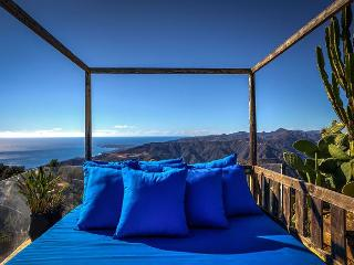 Secluded Hillside Retreat Within a Malibu Estate – Panoramic Ocean Views!