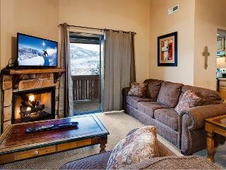 3BR Rustic-Chic Condo in Powderwood Resort – Mountain Views!, Park City
