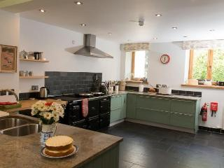 The well equipped kitchen with 4 oven Aga