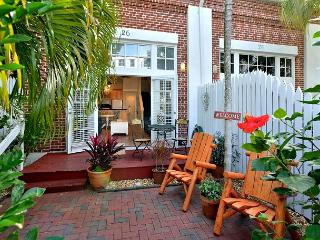 Fairwinds at the Foundry: Historic Old Town, Parking & Pool - Truman Annex, Key West